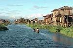 ユワマ村 Ywama Village