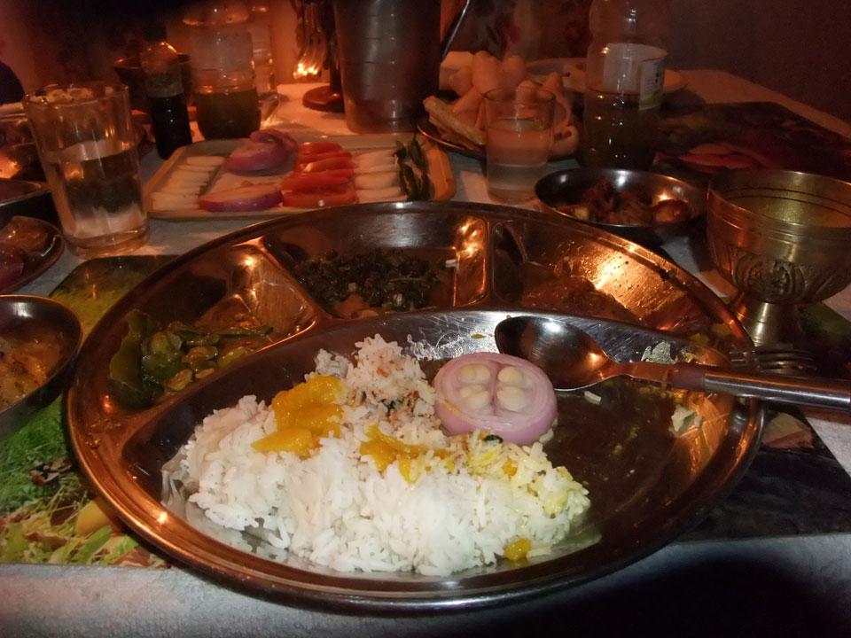 シルバリ村での食事