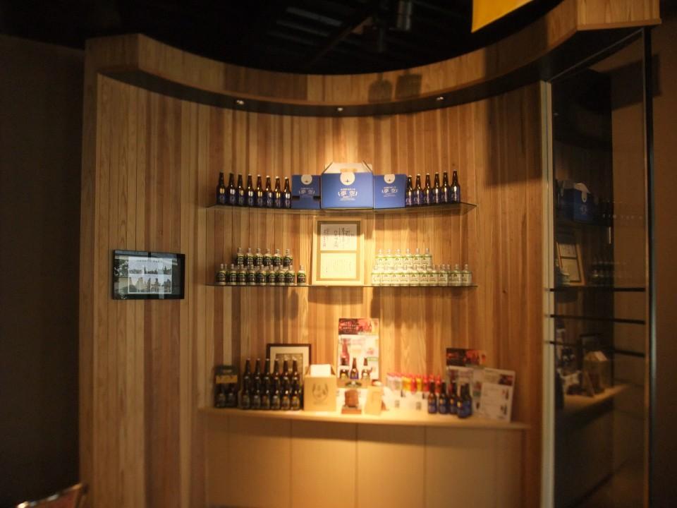 製品ラインナップ・麹菌の他、ビール・まっこり・日本酒さまざま・・。